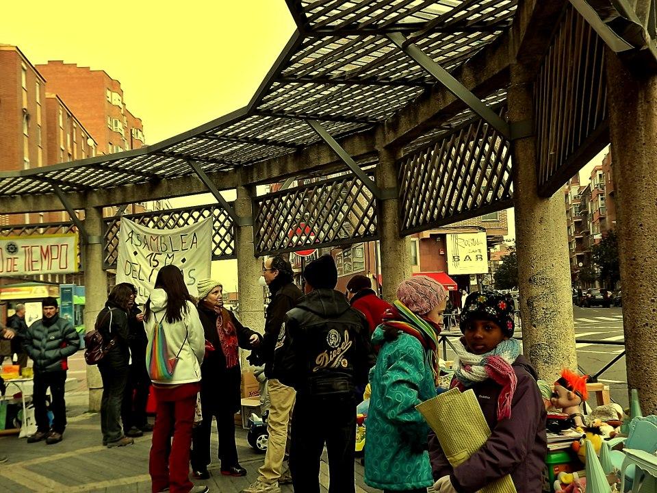 El mercadito de trueque navideño de la Asamblea del barrio Delicias: ni un niño sin juguete. Tan fácil como pasarse y participar.